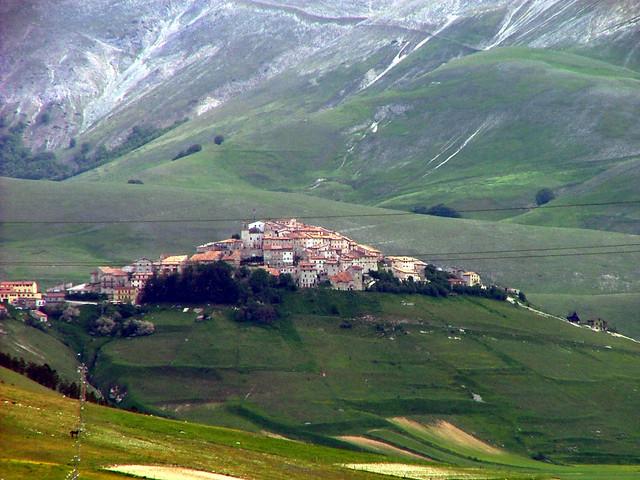 Castellano di Norcia, Piano Grande, Ital | The tiny ...