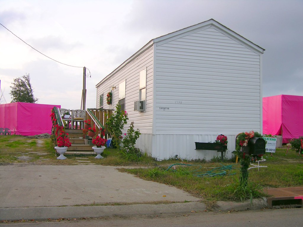 Fema Cottage Among The Pink Houses Alex Cockroach Flickr