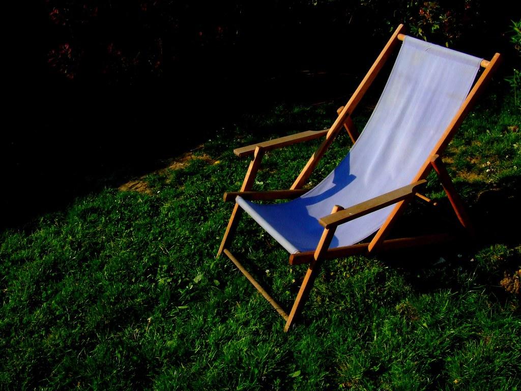 chaise longue violette juuul flickr. Black Bedroom Furniture Sets. Home Design Ideas