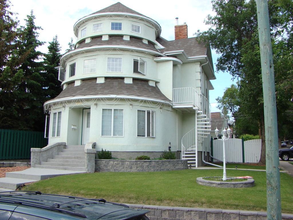053 Saskatchewan Moose Jaw Wedding Cake House 206 Ox Flickr