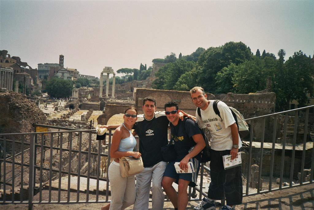 Qué ver en Roma, Italia roma - 2528171920 0ebfc35ebd o - 21+1 Cosas que NO hacer en Roma, Italia