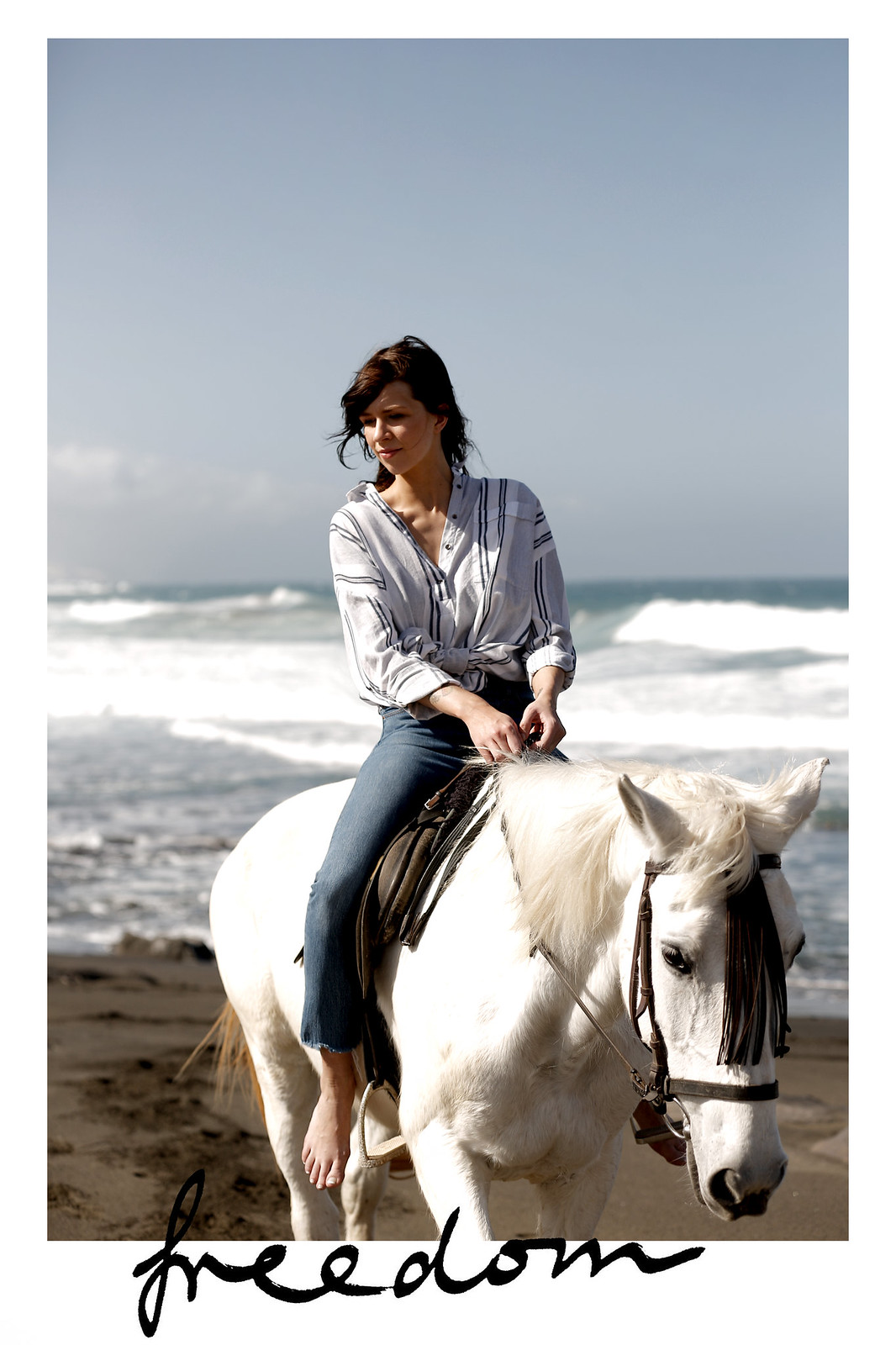 riding fuerte fuerteventura horse white reiten ausritt beach water ocean waves wild freedom happiness vila stripe blouse levi's jeans girl dreaming cats & dogs fashionblog modeblogger ricarda schernus berlin styleblog deutschland 1