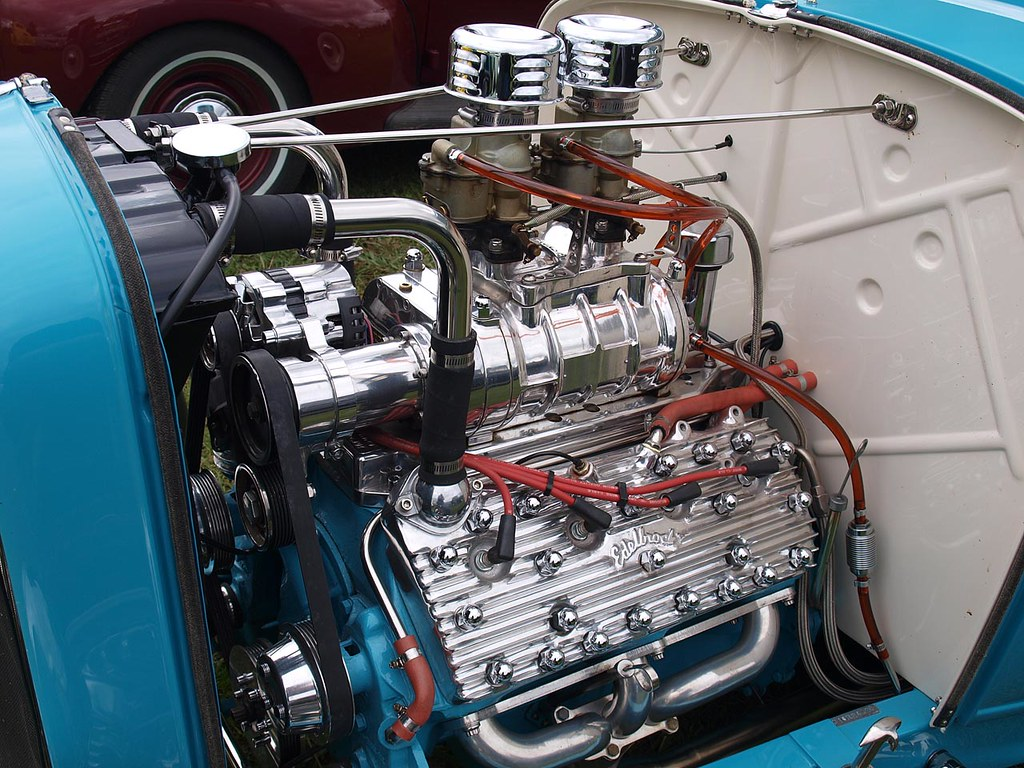 flathead v8 here 39 s a close up shot of the blown flathead. Black Bedroom Furniture Sets. Home Design Ideas