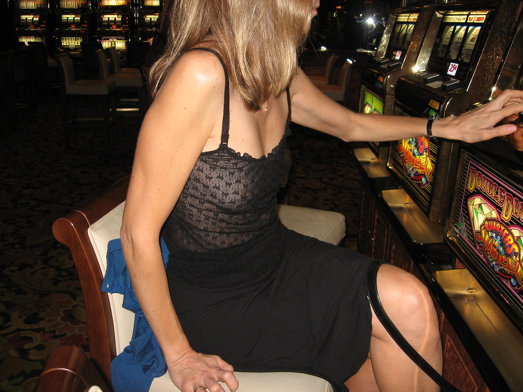 Milf woman at jackpot casino