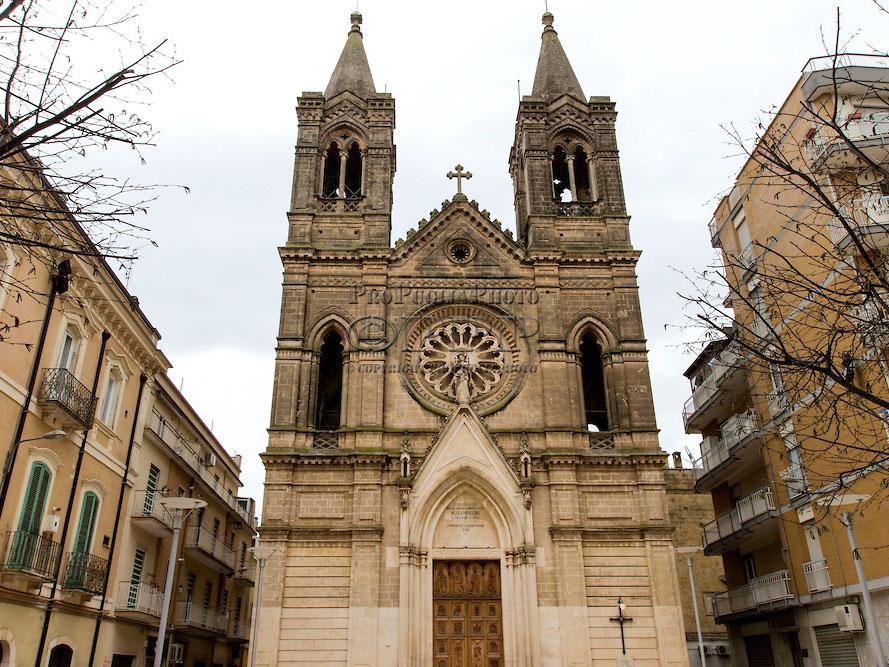 Chiesa di Santa Lucia, architettura neogotica