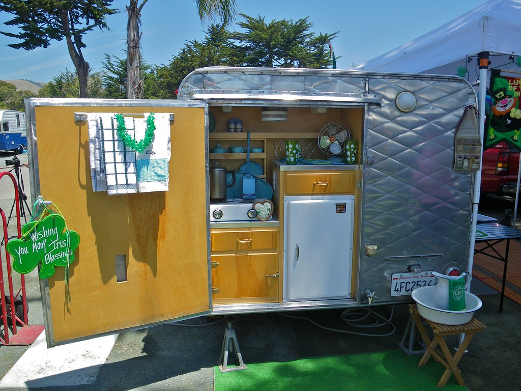 Side Kitchen Vingage Trailer Rally Pismo Beach Ca