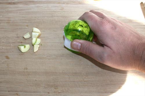 23 - Knoblauch zerkleinern / Hackle garlic