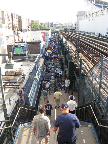 Crowds along River Avenue four hours before the first pitch (Yankee Stadium, 7/15/08 - 2008 All-Star Game) | by Gary Dunaier