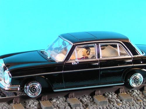 les voitures de james bond 007 mercedes benz 250 se sur flickr. Black Bedroom Furniture Sets. Home Design Ideas