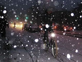 Moi, en hiver - Cycling in Winter in Copenhagen | by Mikael Colville-Andersen
