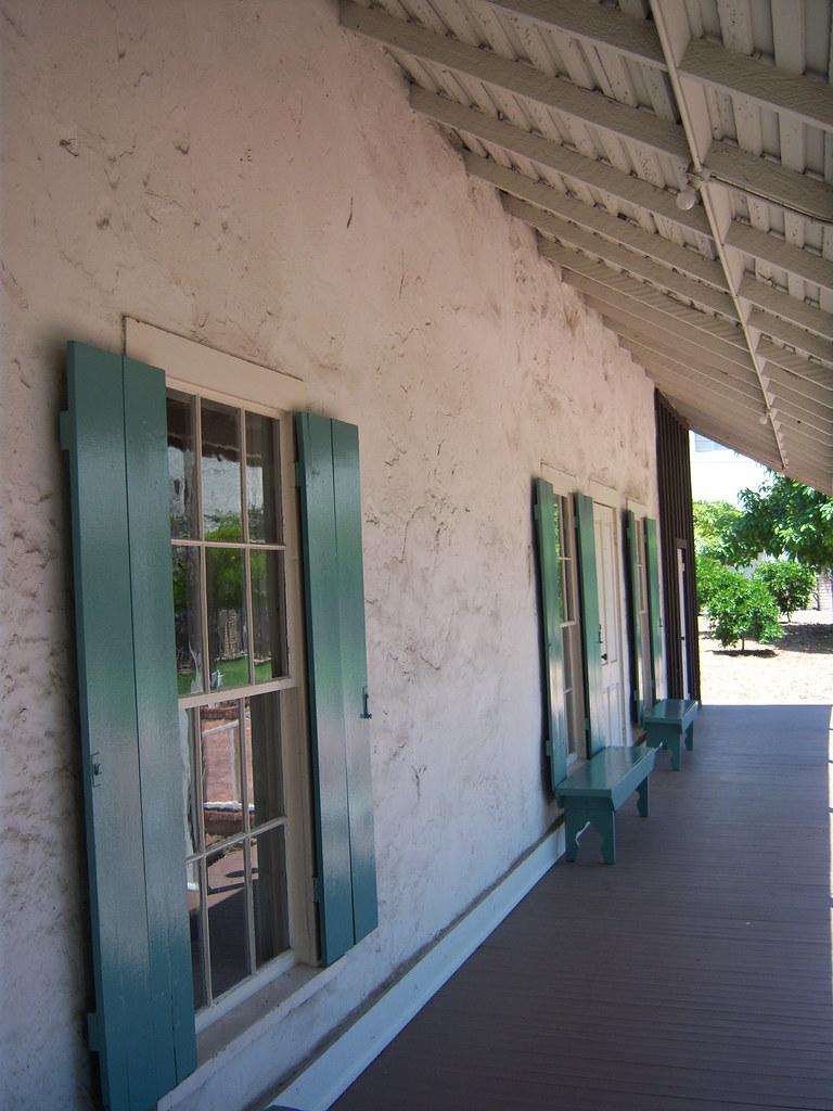 Front porch casa adobe de san rafael no 235 casa for Piani casa adobe hacienda