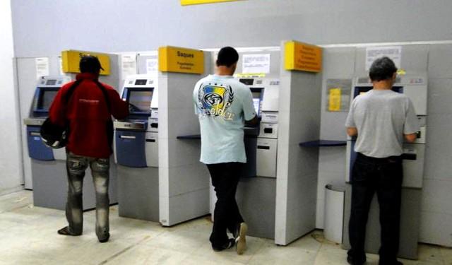 """Bandidos provocam """"apagão"""" na agência do Banco do Brasil em Alenquer, Banco do Brasil - atendimento"""