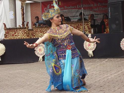 merak dance Watch tarian merak (peacock dance) by brandytunisian on dailymotion here.