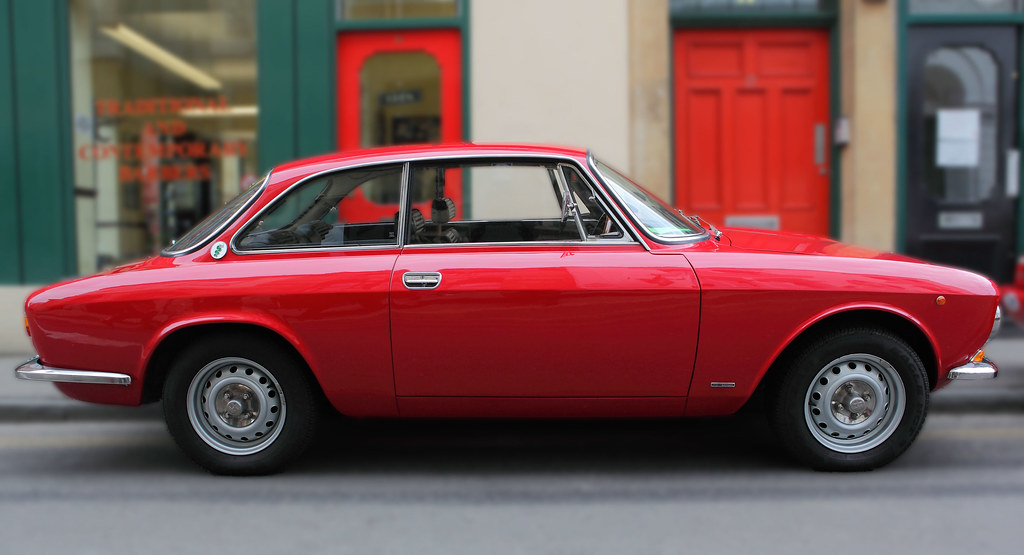Alfa Romeo 1750 Gtv Giulia Sprint Bertone Profile View