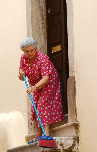Sweeping the stairs | by pedrosimoes7