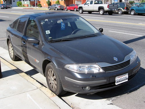 2001 renault laguna five door front 3q something you defin flickr. Black Bedroom Furniture Sets. Home Design Ideas
