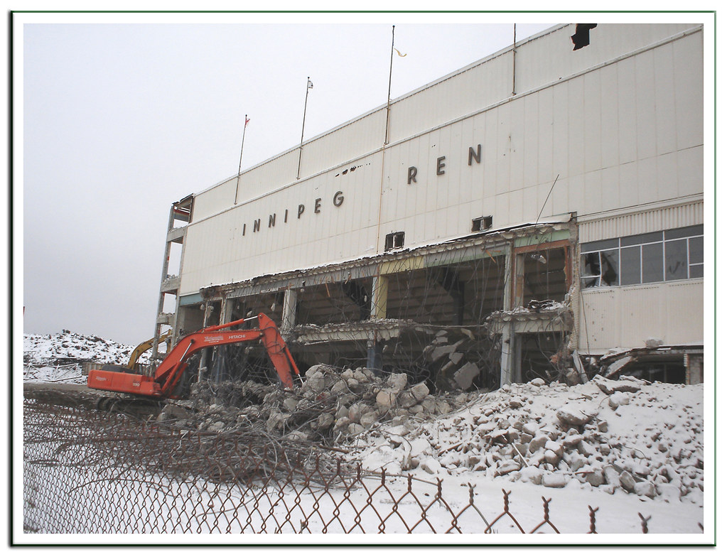 Winnipeg Arena Demolition 30 Dec 2005 Photo Wm Shrops Flickr
