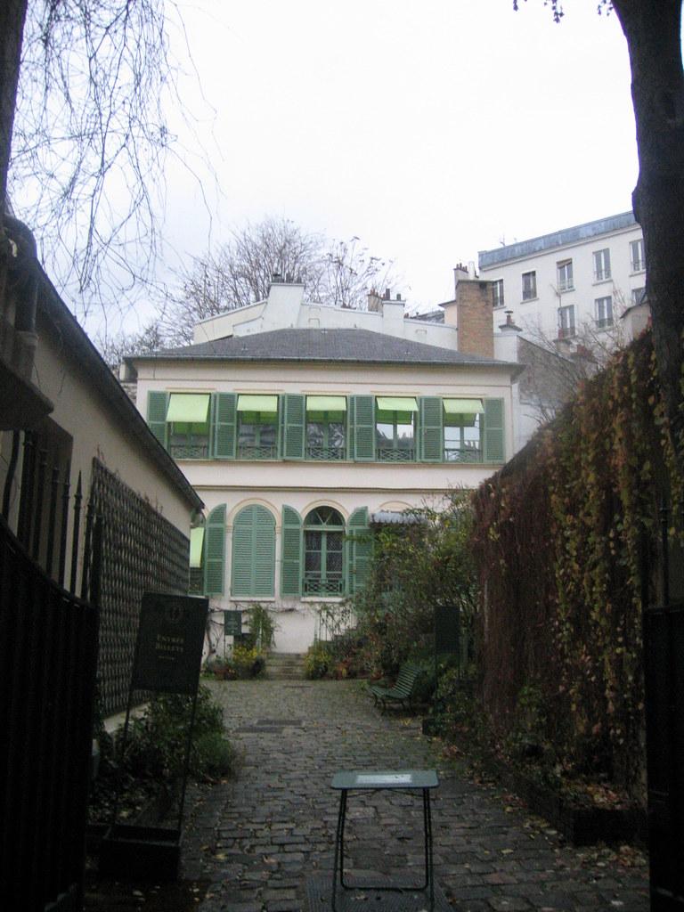 Hotel Romantique Paris Montmartre