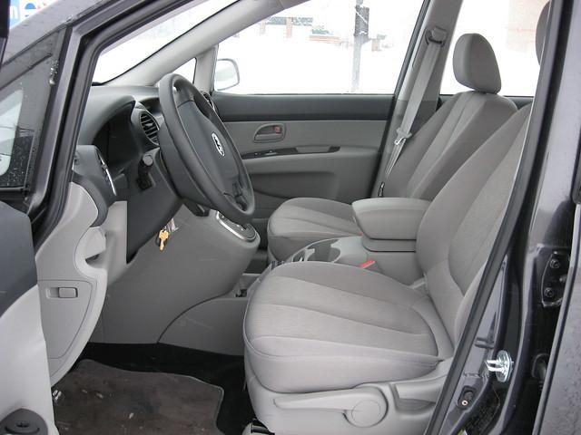 2008 Kia Rondo 3