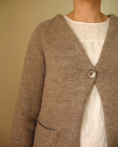 DB basic cardi front | by coco knits