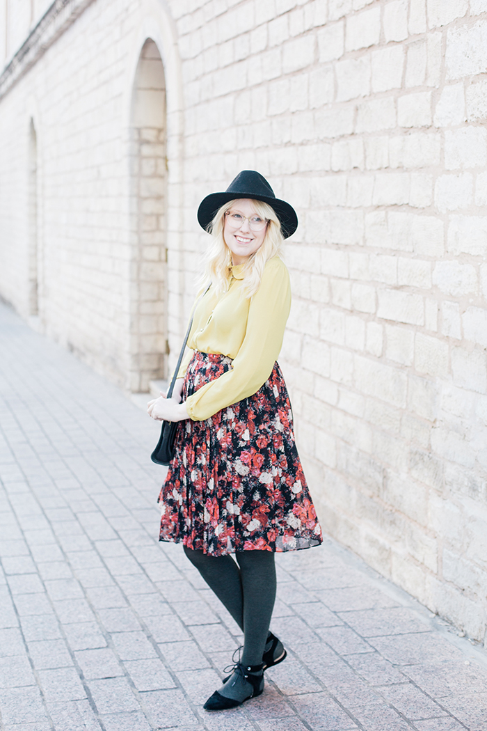 austin fashion blogger floral midi skirt winter outfit7