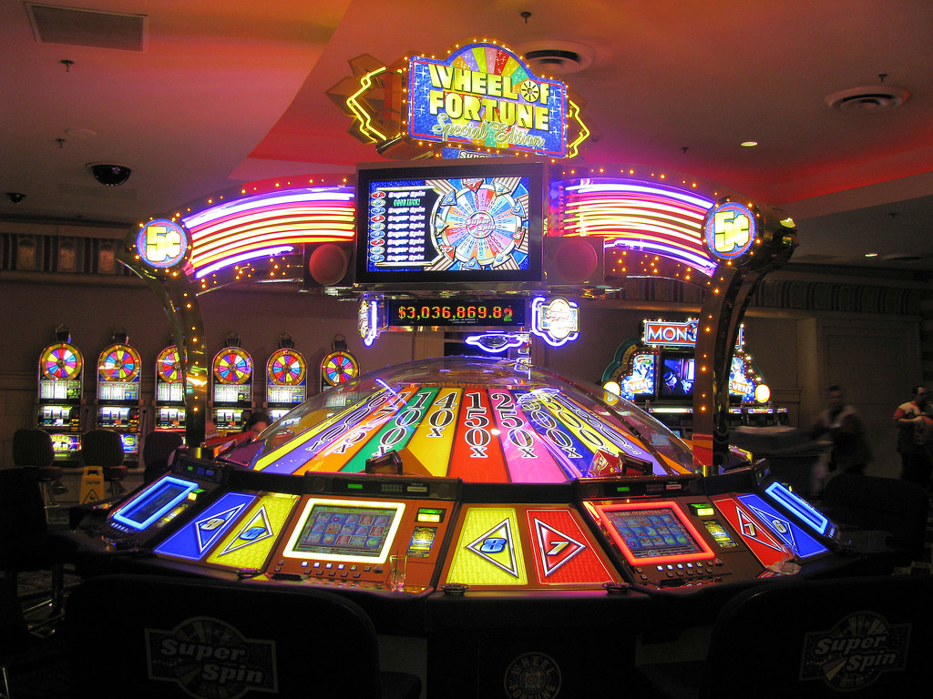 Wheel Of Fortune Slot Machine Luxor Hotel Las Vegas Nv