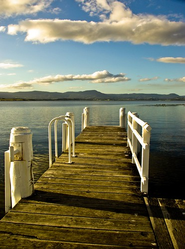 The long T-shaped jetty on Lake Illawarra off Reddal Parade, Mount Warrigal | by Vanessa Pike-Russell