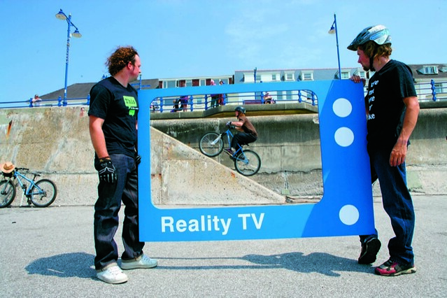 Questionnaire television and reality shows