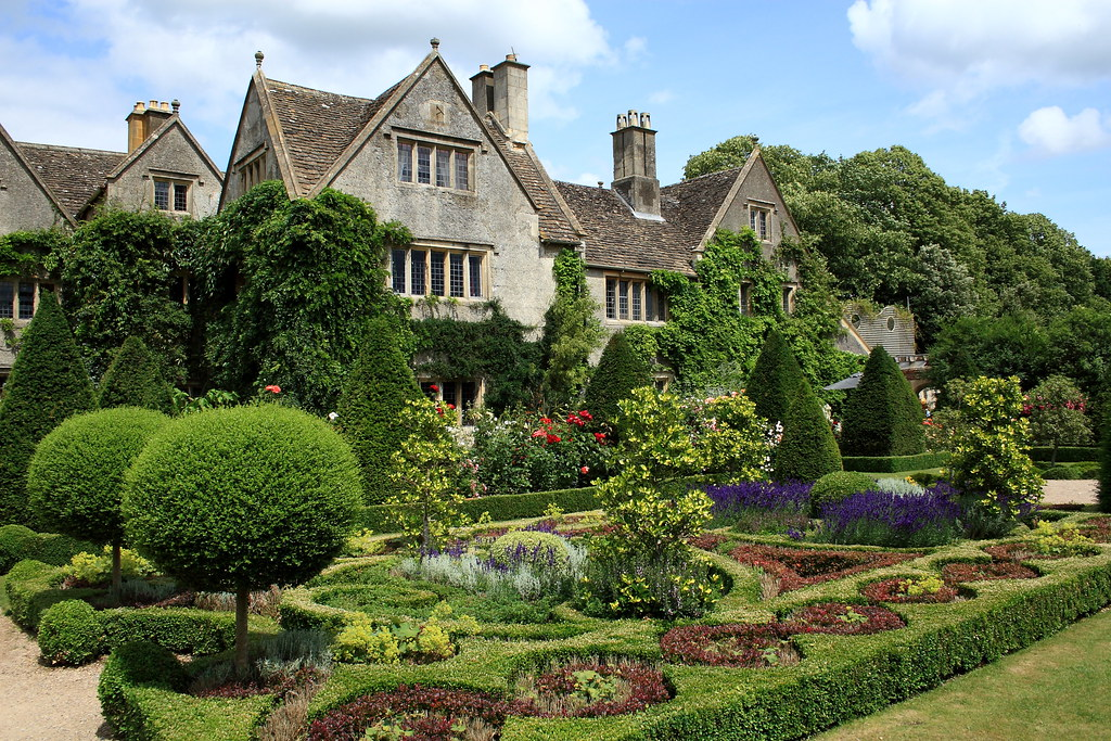 Malmsbury abbey house formal gardens in england john House garden pics