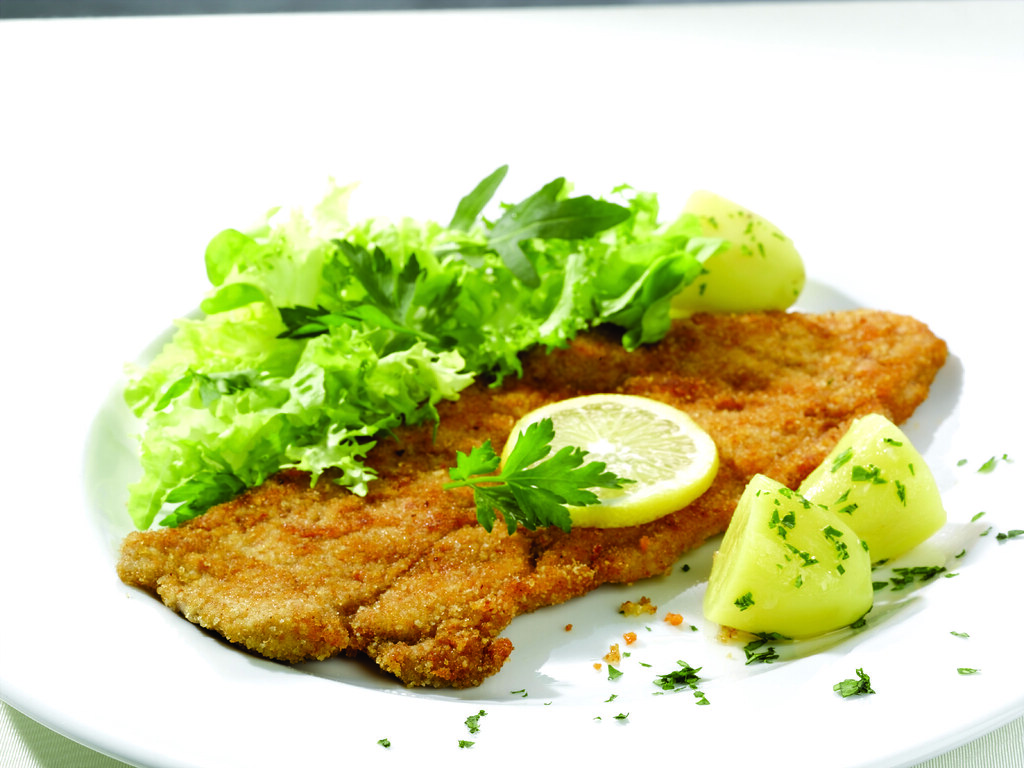 30 11 wiener schnitzel mit kartoffeln und salat f r 4 pers flickr. Black Bedroom Furniture Sets. Home Design Ideas