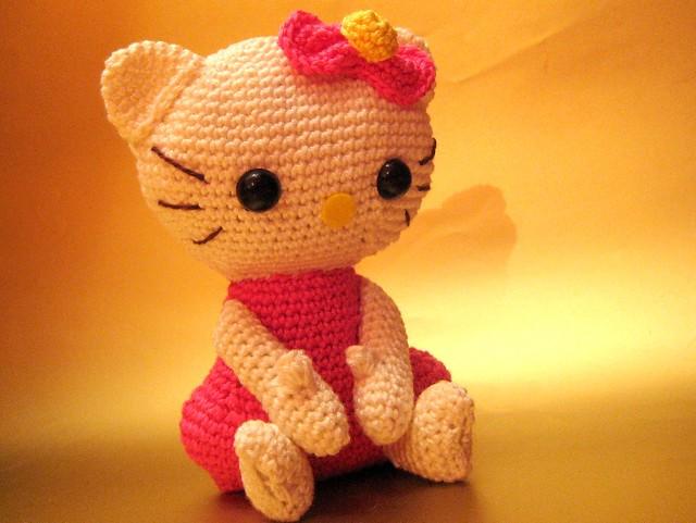 Amigurumi Hello Kitty Deutsch : Amigurumi Hello Kitty Finally its done, my first ...