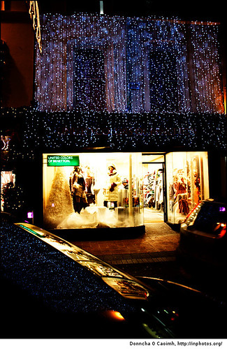 Sparkling Flowing Christmas Lights | by Donncha Ó Caoimh