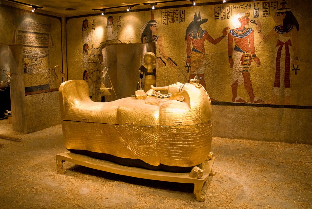 The Curse Of King Tuts Tomb Torrent: Replica Of The Golden Outer
