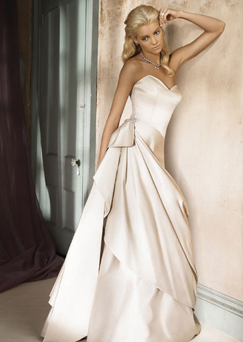 AV9617 - Alvina Valenta Wedding Dresses / Alvina Valenta W… | Flickr