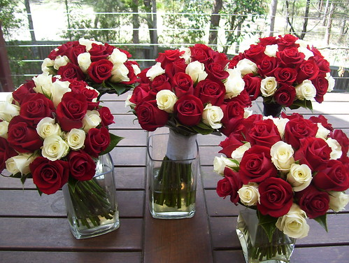 red wedding bouquets p43 posy shape bo flickr. Black Bedroom Furniture Sets. Home Design Ideas