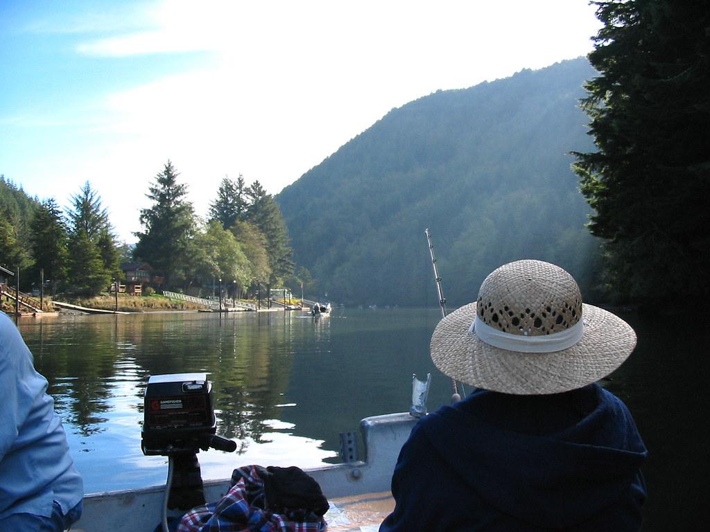 Salmon fishing the siletz river a beatifull day on the for Siletz river fishing report