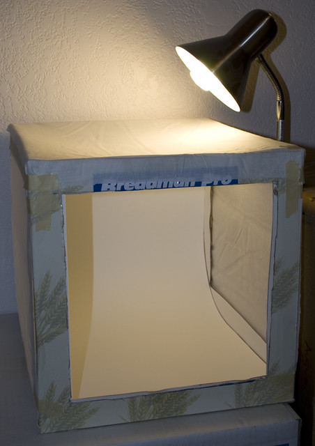Homemade Lightbox Studio | By Ladycenu Homemade Lightbox Studio | By  Ladycenu