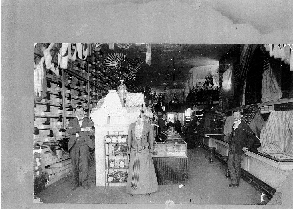 Mammoth Department Store | Taken in the 1900s. | Pioneer ...
