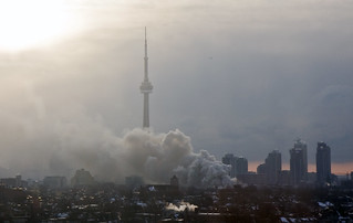 Fire on Queen St. - Toronto | by aardvark.