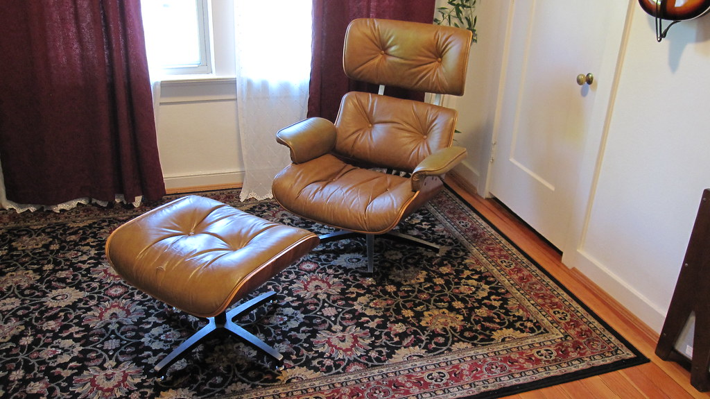 Eames Lounge I scored this 70s Selig Eames lounge chair k…