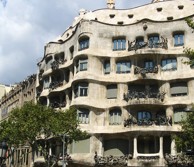 Gaudi architecture barcelona flickr photo sharing for Architecture gaudi