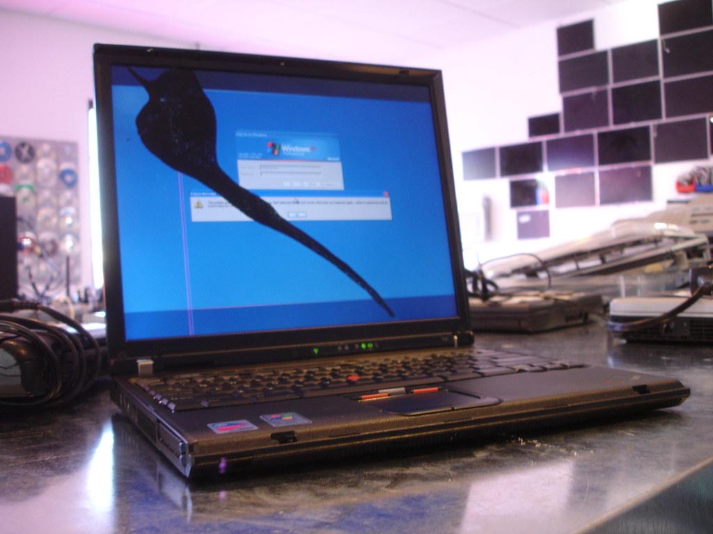 screen shows strange colors laptop repair 101 - HD1024×768