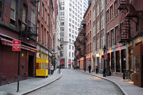 Nyc Stone Street Sandwiched Between South William And