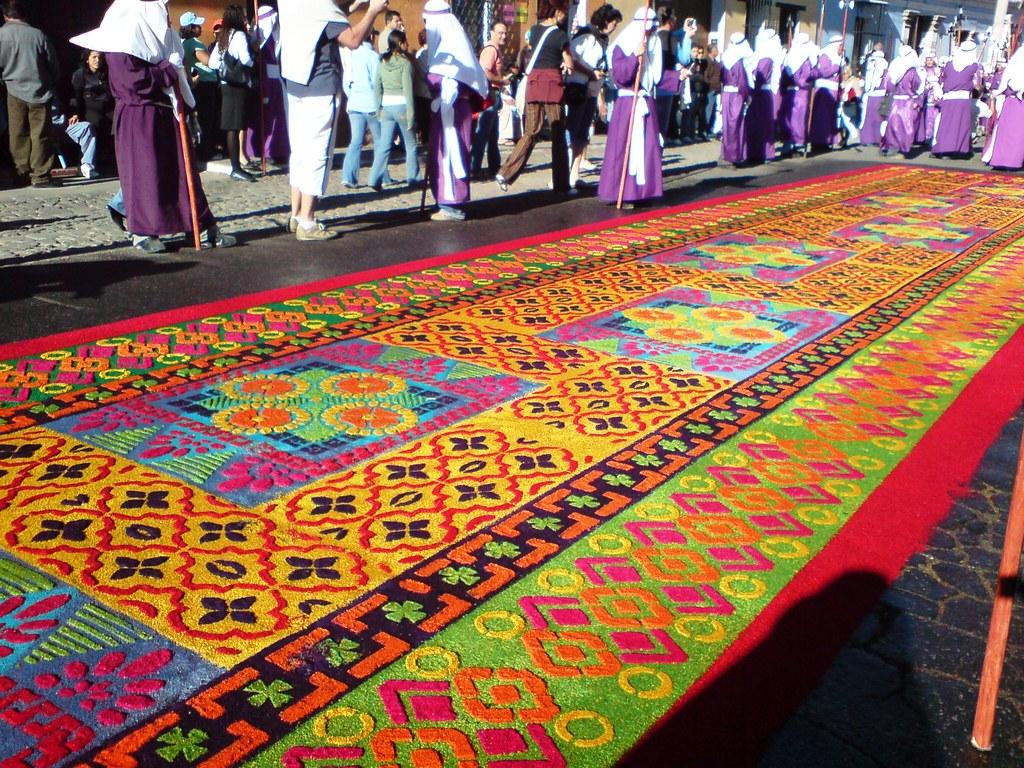 Alfombra para la procesi n de jes s de la merced del viern for Antigua alfombras