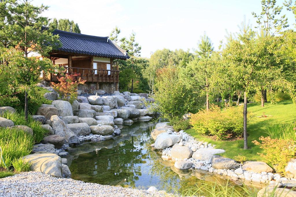 Berlin julio 2007 jard n coreano en berl n en un for Jardines con lagos artificiales