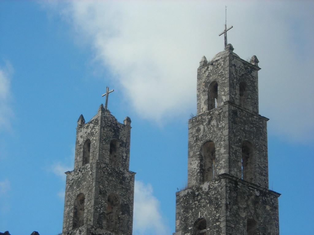 ... Torres de la iglesia de Hocaba, Yucatán, México | by pabluko