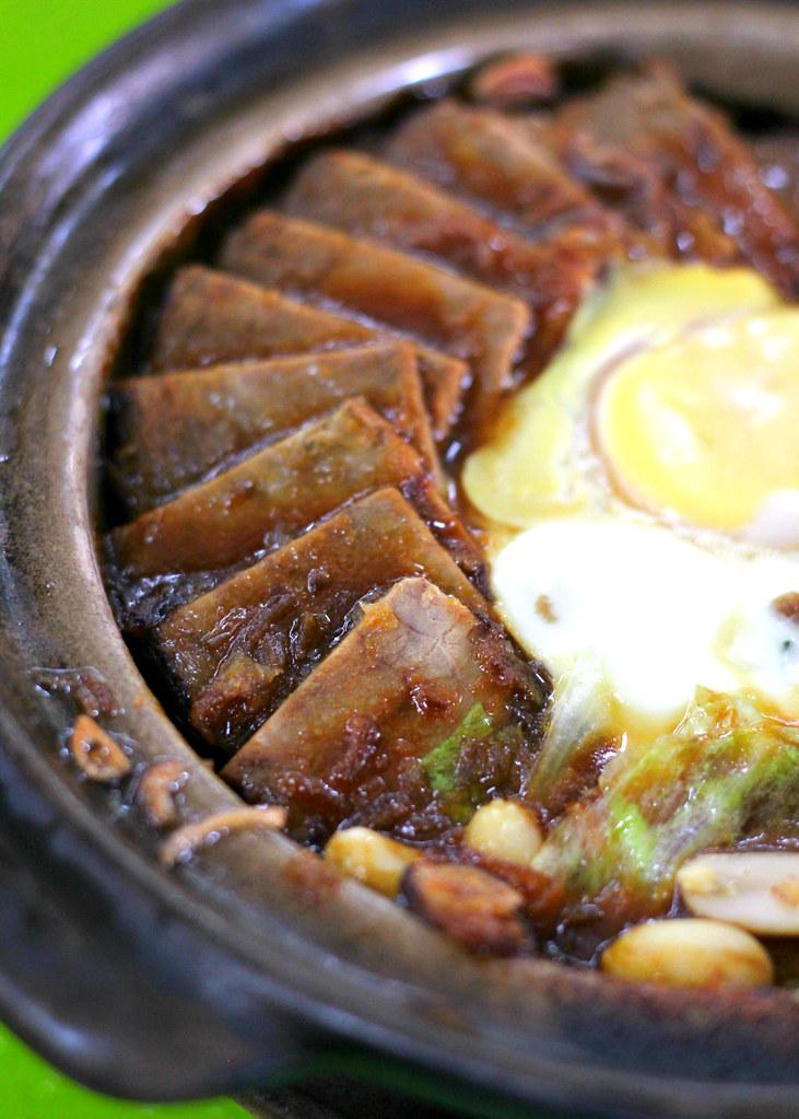 padi-emas-coffeeshop-beef-claypot