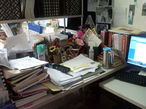 What do they say about a cluttered desk? | by patriotworld
