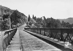 Le pont édifié au début du XXème siècle, et qui durera jusqu'en 1968