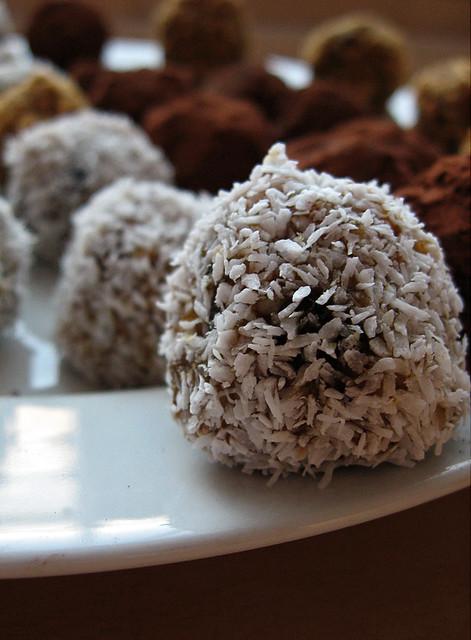 Best Easy Coconut Cream Cake